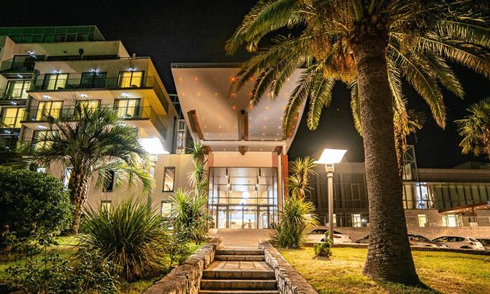 5 יוני-אוגוסט במונטנגרו, כולל שבועות - מלון מומלץ עם קזינו