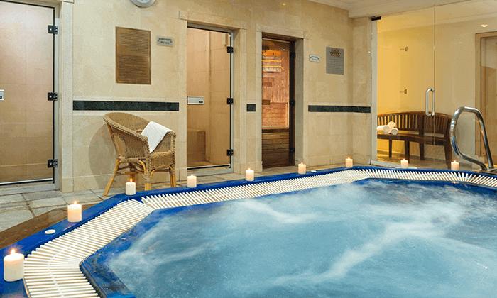 3 חופשה במלון אריאה (יו סוויטס לשעבר) 5 כוכבים באילת, כולל טיסות