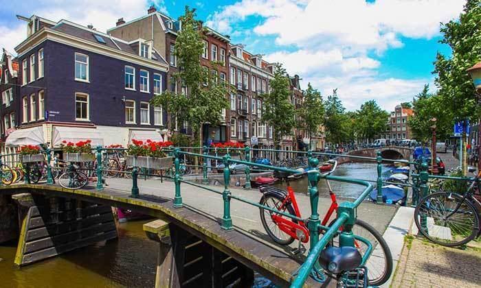 4 טיול ולילה באמסטרדם - יציאה וחזרה מברלין