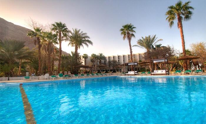 4 יום כיף במלון לאונרדו אין ים המלח