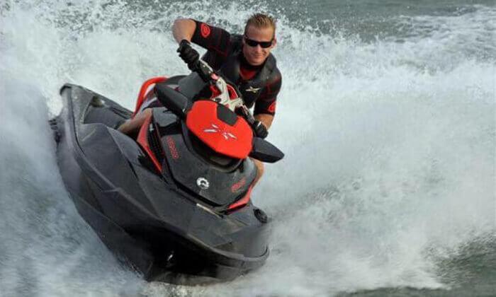 4 השכרת אופנוע ים באילת - פלייבורד הים האדום