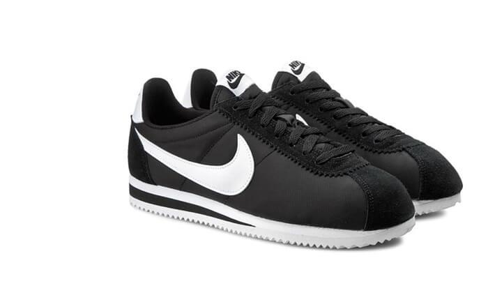2 נעלי אופנה Nike