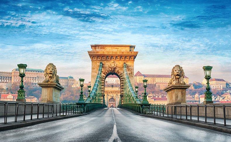 מאי-יוני בבודפשט