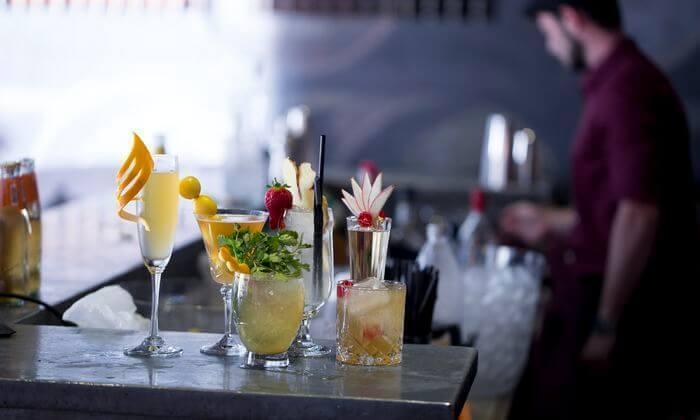 5 זמן אמיתי - סדנת אלכוהול בבית הספר לברמנים בתל אביב
