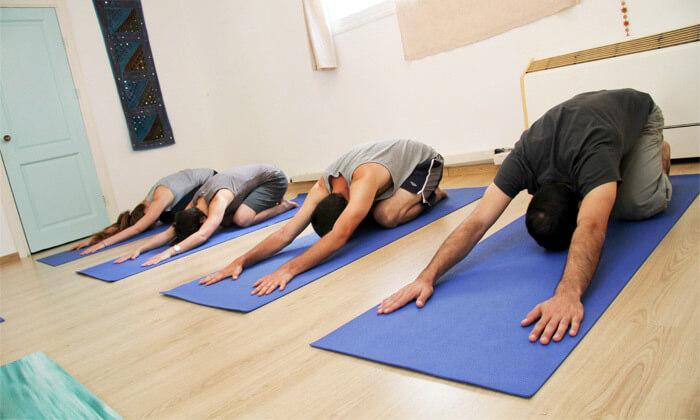 3 שיעורי יוגה בהוד השרון