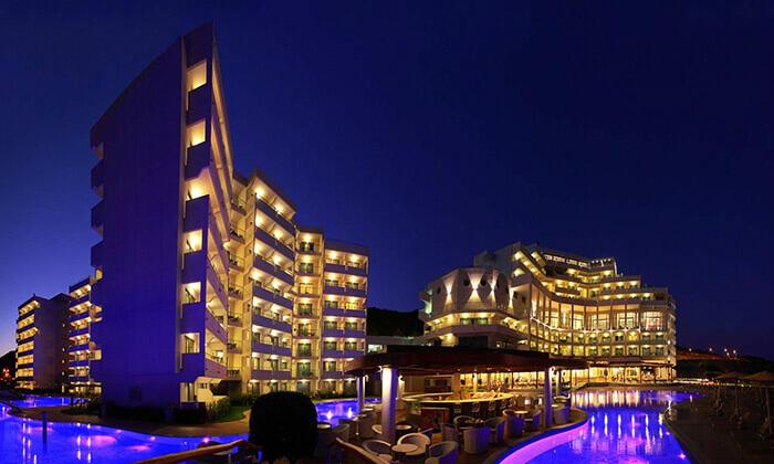 3 יוני ברודוס - מלון 5 כוכבים מומלץ על חוף הים