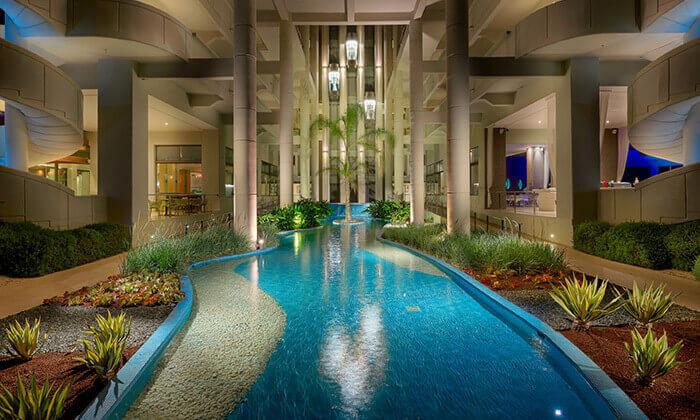 6 יוני ברודוס - מלון 5 כוכבים מומלץ על חוף הים