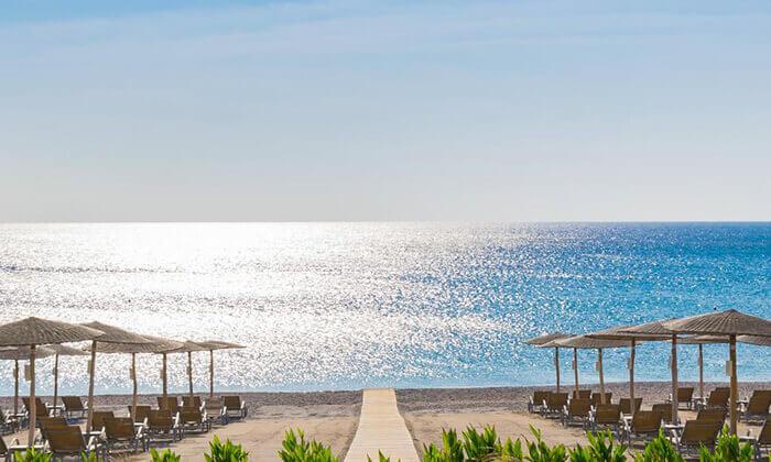 4 יוני ברודוס - מלון 5 כוכבים מומלץ על חוף הים