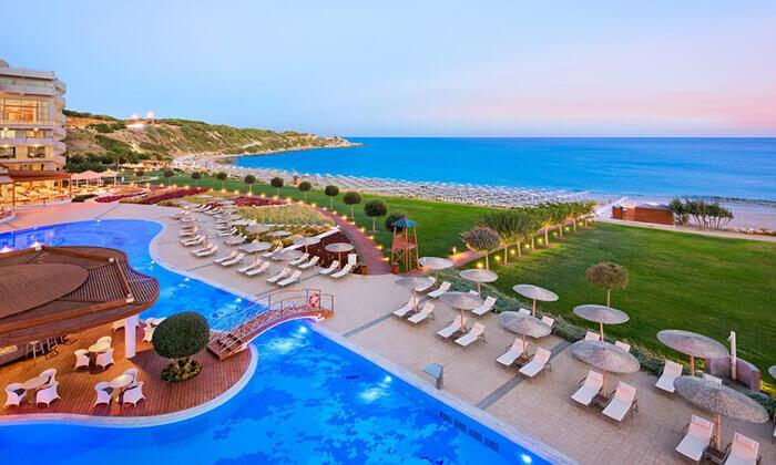 7 יוני ברודוס - מלון 5 כוכבים מומלץ על חוף הים