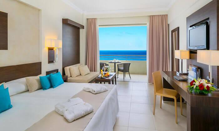 8 יוני ברודוס - מלון 5 כוכבים מומלץ על חוף הים