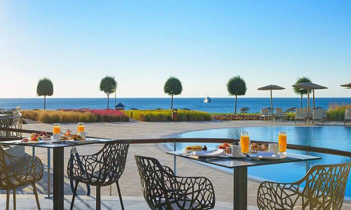 9 יוני ברודוס - מלון 5 כוכבים מומלץ על חוף הים