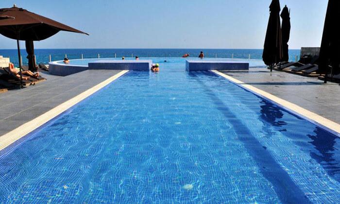 """2 חופשה על חוף הים של מונטנגרו - מלון מומלץ, כולל סופ""""ש"""