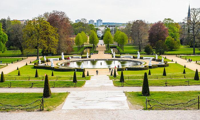 2 טיול יום מברלין: טבע, ארמונות ואגמים בפוטסדאם, גרמניה