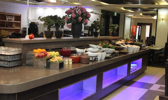 7 ארוחת בוקר במלון קרלטון נהריה