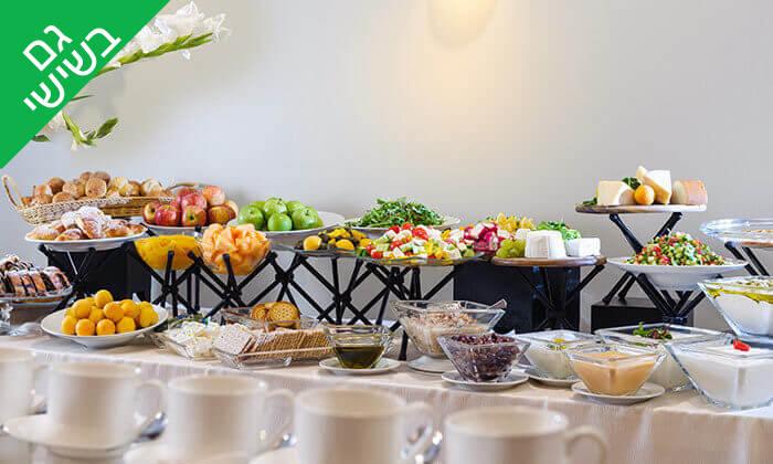 3 ארוחת בוקר בופה במלון לאונרדו ביץ', חוף גורדון תל אביב