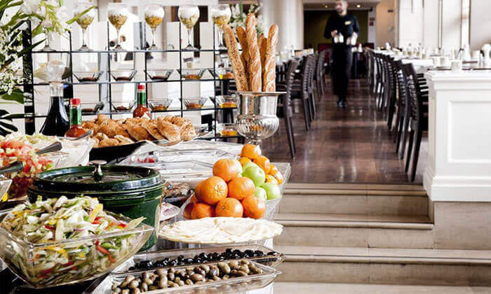 6 ארוחת בוקר בופה במלון לאונרדו סיטי טאואר, רמת גן