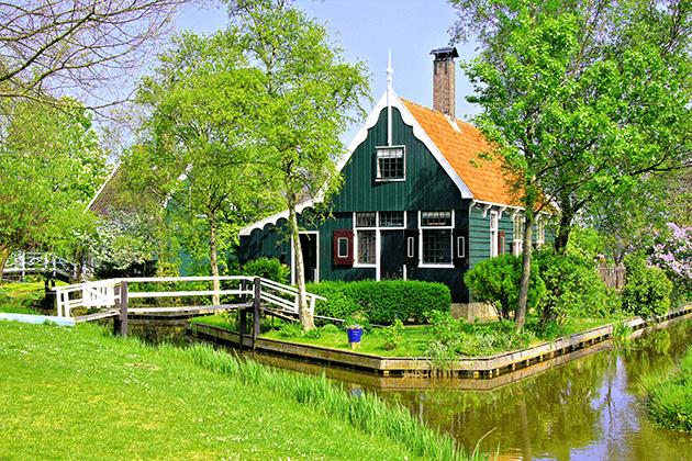 4 טיול יום מאמסטרדם בארץ המים, כפרי הדייגים וטחנות רוח