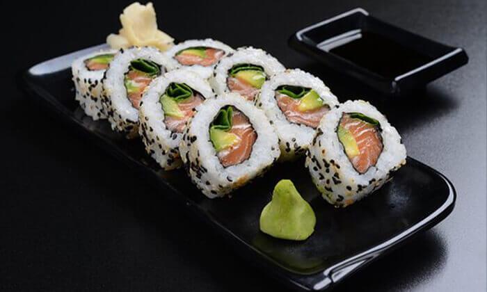 3 מגש סושי במסעדת טוגראשי, אילת