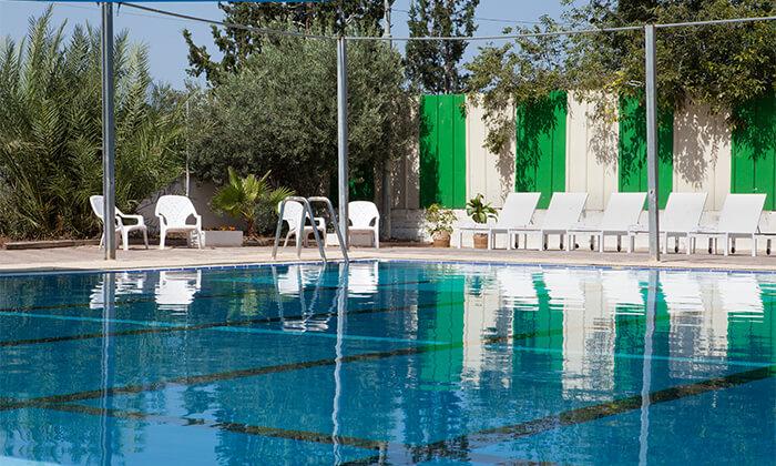 3 מלון עדן אין: חופשה בזכרון יעקב, כולל עיסוי זוגי