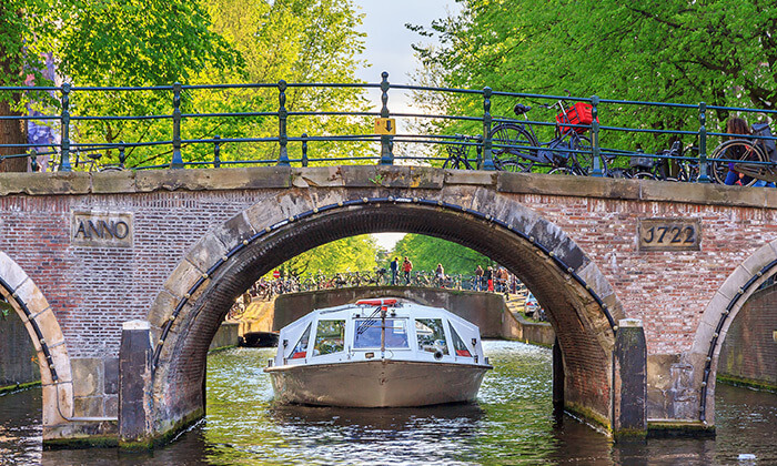 5 אמסטרדם עם סירה Hop On-Hop Off