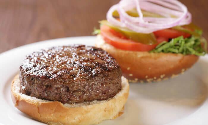 4 ארוחת המבורגר ב-Hamburg, טיילת תל אביב