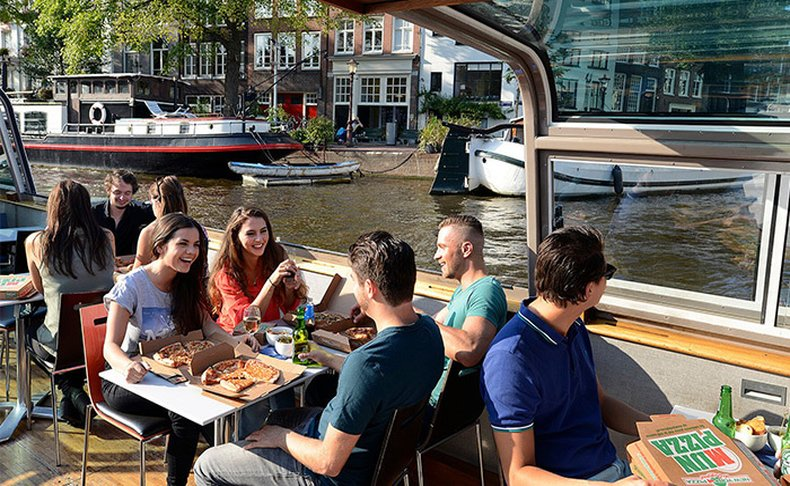 שייט פיצה באמסטרדם