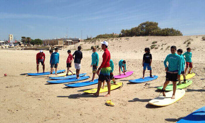 3 קייטנת גלישה ב'אקסטרים', בית ספר לגלישה בחוף גורדון, תל אביב