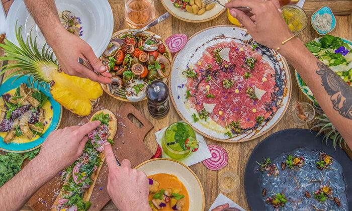 4 מסעדת עלמא, ליד חוף הים של אשדוד - ארוחת פרימיום זוגית