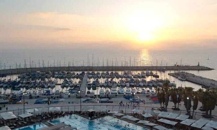 4 ארוחת בוקר במלון לאונרדו ארט, חוף גורדון תל אביב