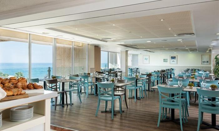 6 ארוחת בוקר במלון לאונרדו ארט, חוף גורדון תל אביב