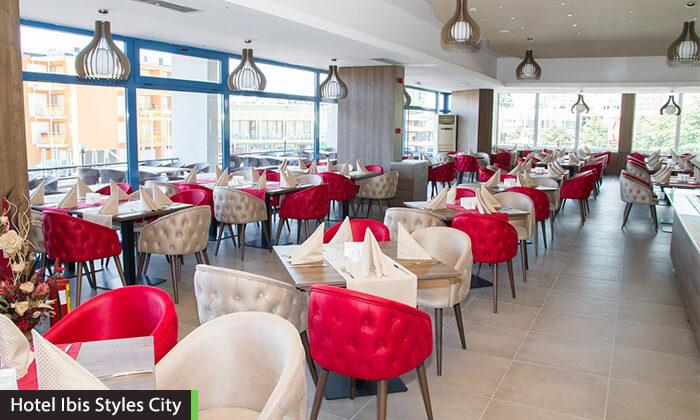 """10 יוני-אוגוסט בוורשה - שופינג, חיי לילה ומסעדות מעולות, כולל סופ""""ש"""