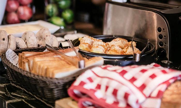 15 ארוחת בוקר בופה במלון אולטרה Ultra, הירקון תל אביב