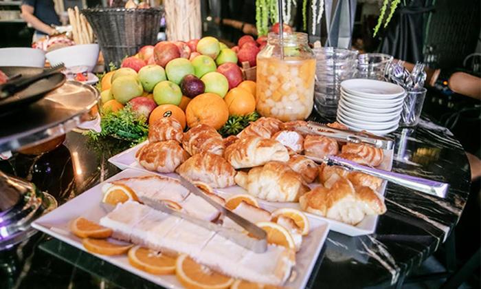 9 ארוחת בוקר בופה במלון אולטרה Ultra, הירקון תל אביב