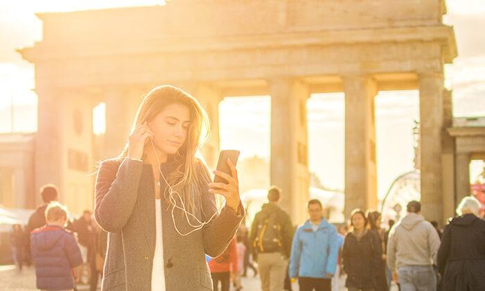 2 מכשיר הסברה דיגיטלי בברלין - השכרה ל-5 ימים