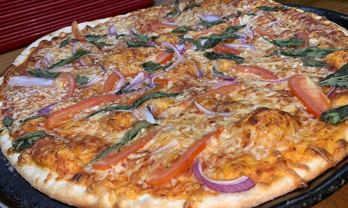 2 פיצה משפחתית בפיצה תרשיש, מרכז עזריאלי חולון