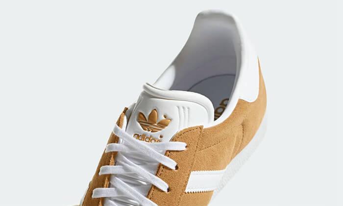 12 נעלי סניקרס אדידס adidas