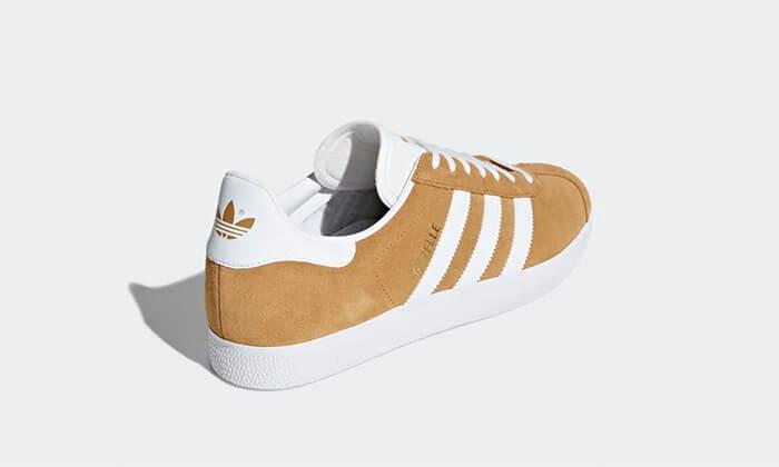 13 נעלי סניקרס אדידס adidas