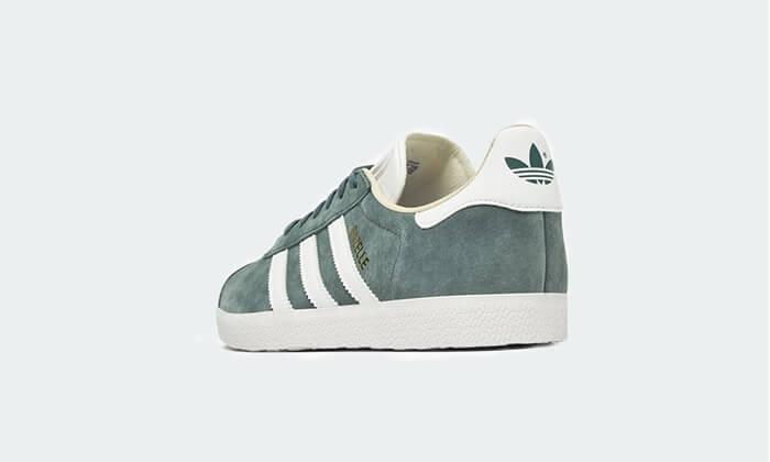 14 נעלי סניקרס אדידס adidas