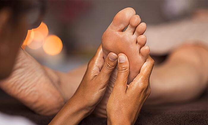 2 טיפול רפלקסולוגיה בקליניקה 'מגע מרפא', כפר סבא