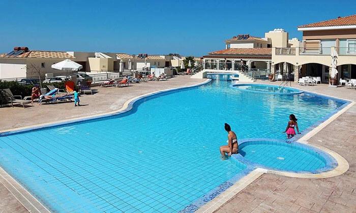 3 פאפוס, קפריסין - נופים, חופים, שמש ומלון מפנק