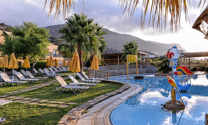 5 כרתים - חופשה משפחתית במלון מומלץ עם פארק מים