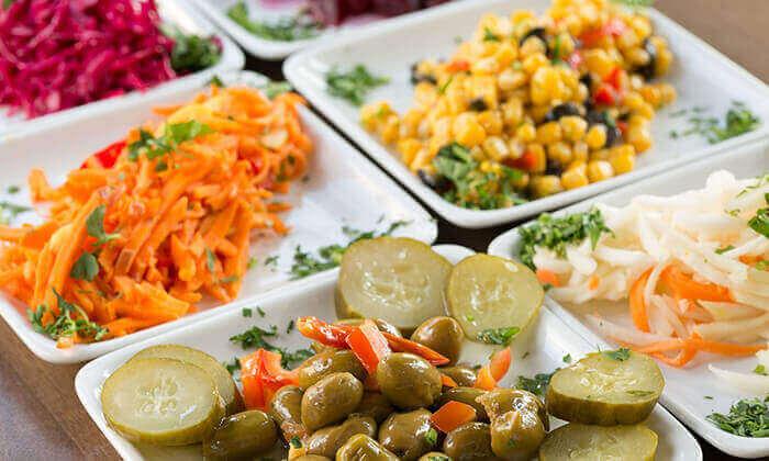 5 ארוחה זוגית במסעדת אבו זאקי - בן יהודה, תל אביב