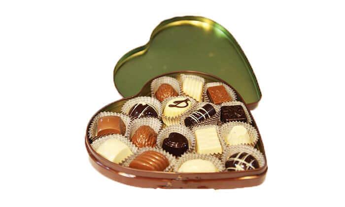 9 בוטיק השוקולד לה בוניטה בגבעת שאול - מארז פרלינים כשר