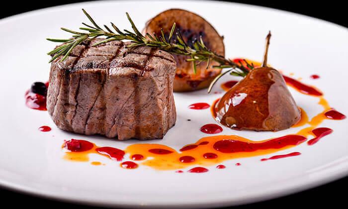 3 ארוחת פרימיום זוגית במסעדת לחם בשר הכשרה למהדרין, נמל תל אביב