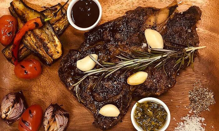 8 ארוחה לזוג במסעדת Boost FM, תל אביב