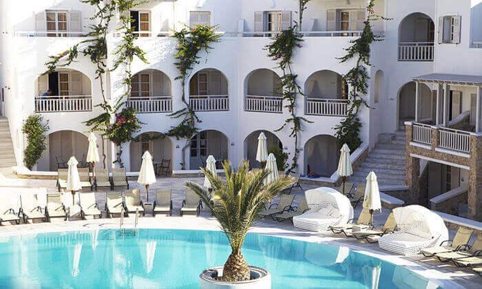 5 חבילת נופש לסנטוריני - מלון Aegean Plaza