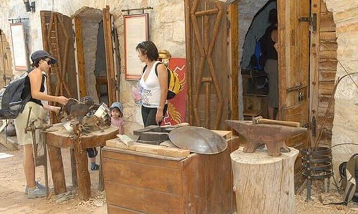 3 פעילות משפחתית במוזיאון עין יעל, ירושלים