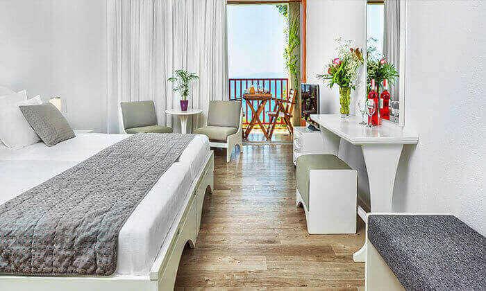 """4 סקיאתוס - קיץ חם באי הכי יפה ביוון, כולל סופ""""ש"""