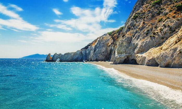 """2 סקיאתוס - קיץ חם באי הכי יפה ביוון, כולל סופ""""ש"""