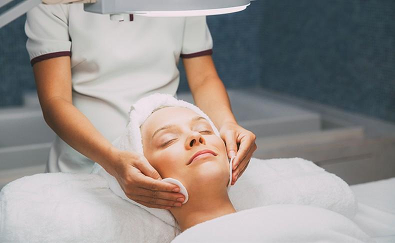 טיפול פנים ב-SHE beauty